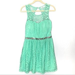 Candies sz 7 mint green lace sweetheart dress